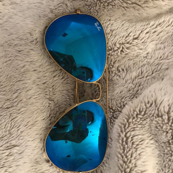 Blue with gold frames Ray-Bans (case included)